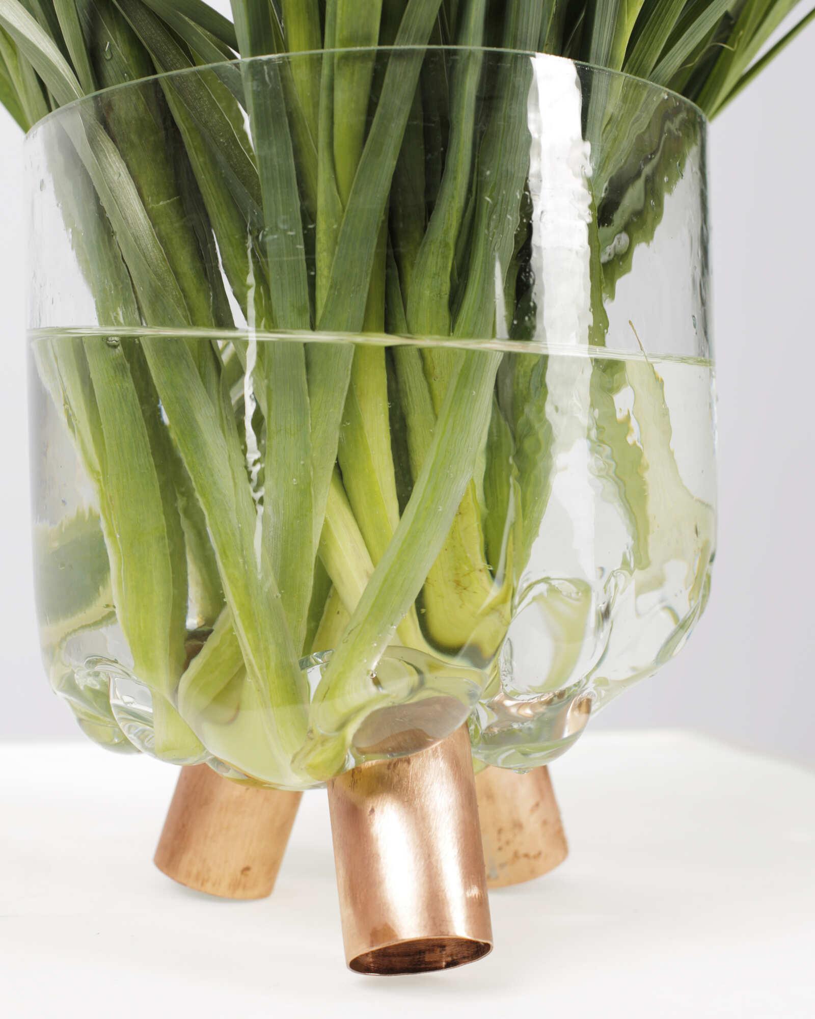 Современная авторская стеклянная ваза