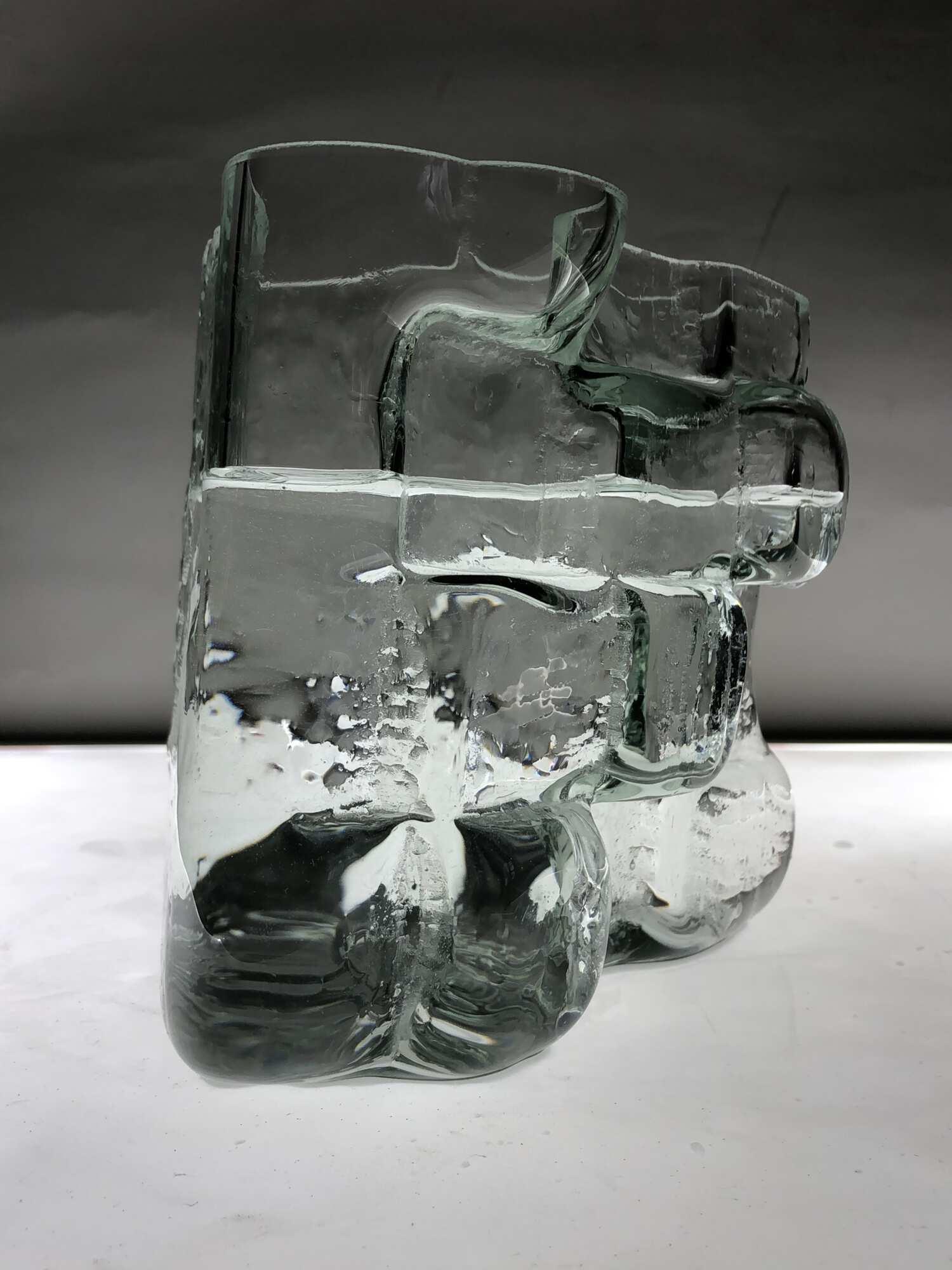 Современная стеклянная дизайнерская ваза