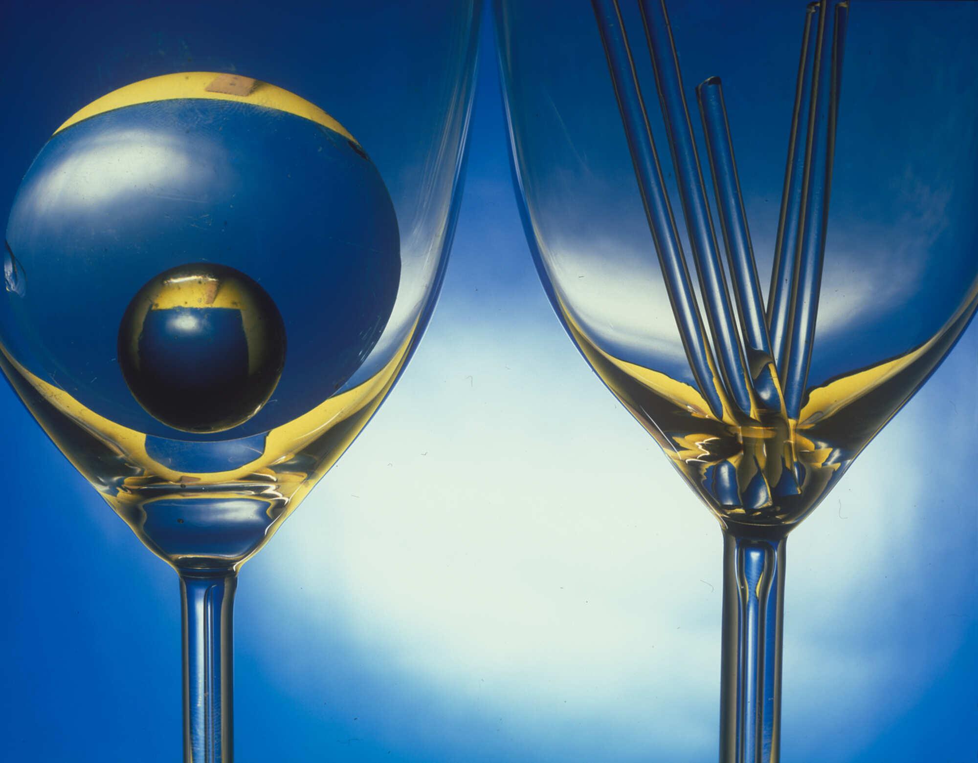 Винтажная фотография с изображением бокалов 2000 г.